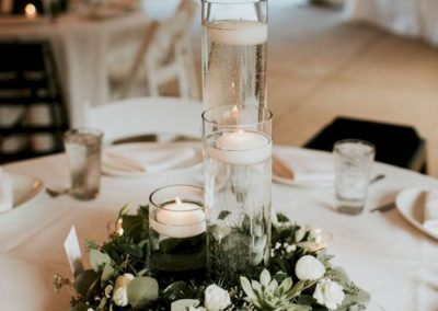 20-Simple-Greenery-Wedding-Centerpieces-Decor-Ideas