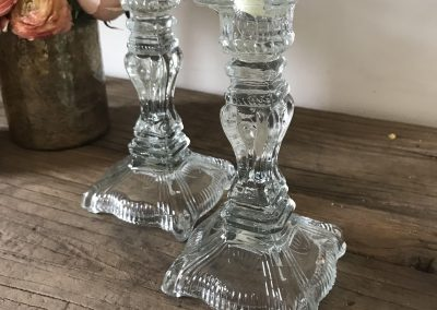 clear_glass_candlesticks_2_5dd79f3e-e88b-47b9-8a68-18e41346b036