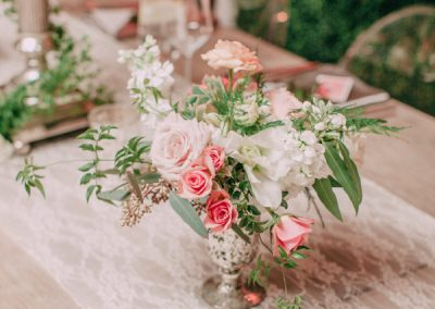 Ruffled - photo by Desi Baytan http://ruffledblog.com/modern-rustic-elegance-wedding